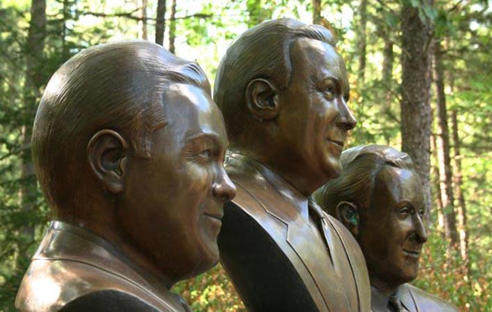 05-bronzeheads