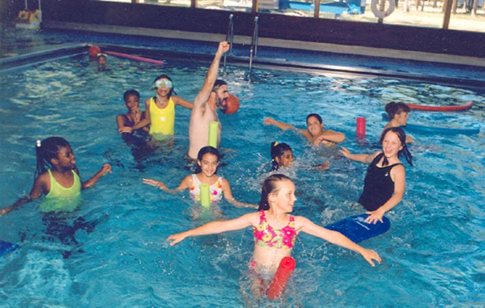 13-pool-kids